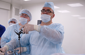 Master-class on laparoscopic surgery from the leading surgeon